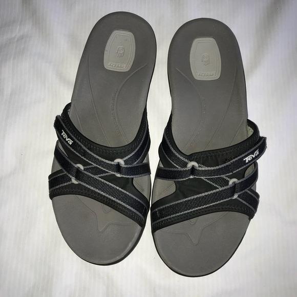 93a540e1b28a Women s Teva Tirra Slide Sport Sandal. M 5aa460063a112e3981f8c465